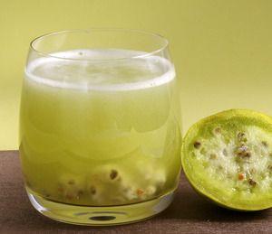 Deliciosa, fresca y saludable agua de tuna. Esta fruta es típica de México y muy rica. Esta agua te gustará mucho.