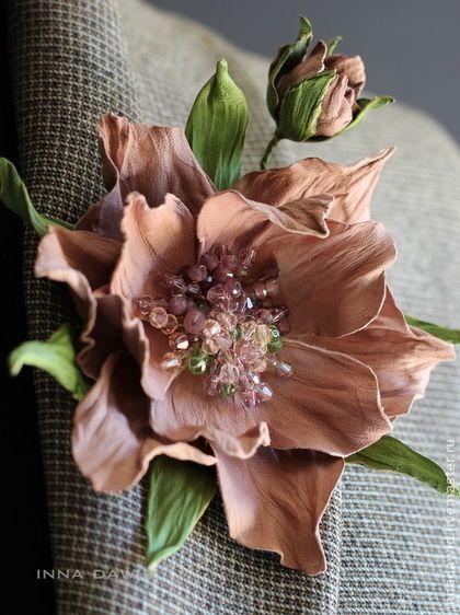 """Брошь из кожи """"Mirna"""". - брошь,цветы ручной работы,цветы в украшении,брошь цветок:"""