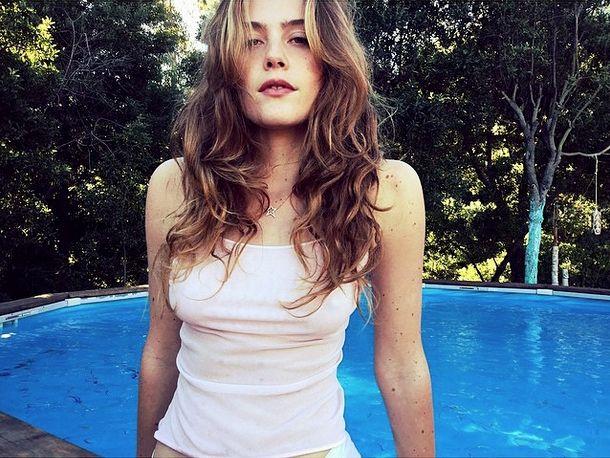 Chelsea Schuchman Nude Photos 36
