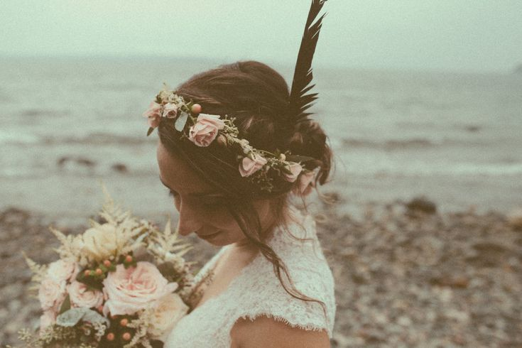 those two, in love // http://www.saraspectrum.com/blog/2015/11/29/those-two-in-love // wedding wonder whirl / feathers & flowers in her hair , a way they go