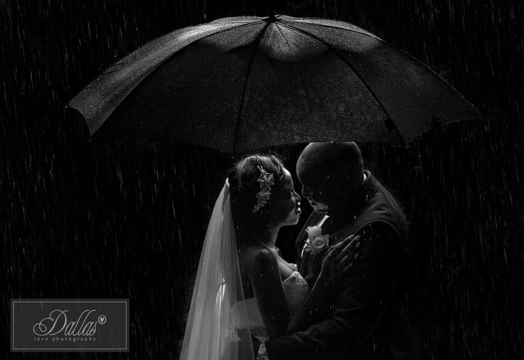 #dallaslovephotography #rainyweddingday #umbrellawedding
