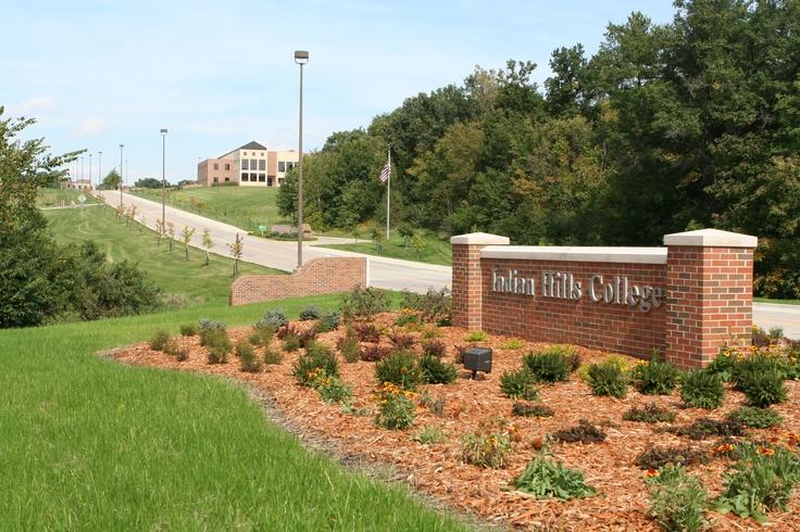 Alta Vista Entrance, Main Campus. (Ottumwa) Community