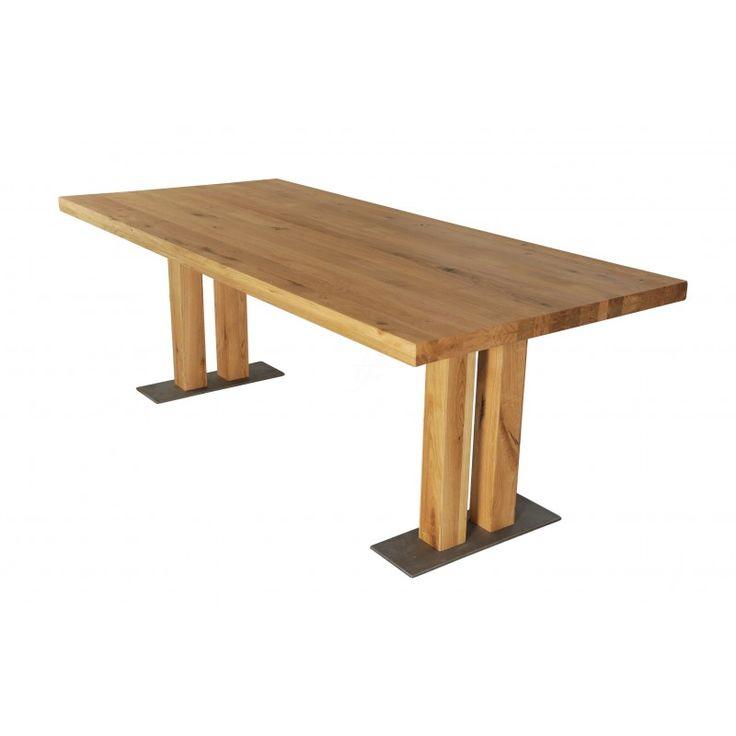 Mesele Bristol aduc amestecul perfect intre natural și industrial! Masa este formata dintr-un blat din lemn masiv de stejar, asezat peste picioarele groase tot din stejar, cu baza din metal.Lemnul din care este realizat blatul aminteste de arhitectura de epoca, iar picioarele din lemn sprijinite pe o baza din metal ofera mesei un aer modern si industrial. Marginea lemnului este disponibila in doua variante: - Margine dreapta - Margine naturala Blatul poate fi comandat in diferite marimi…