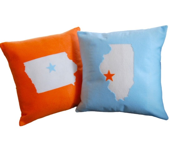 Love these custom state pillows! Texas with purple of course.Custom Sewing, Custom Pillows, Custom States, Couch, Etsy, Cute Ideas, Dash Decor, Gray Yellow, States Pillows
