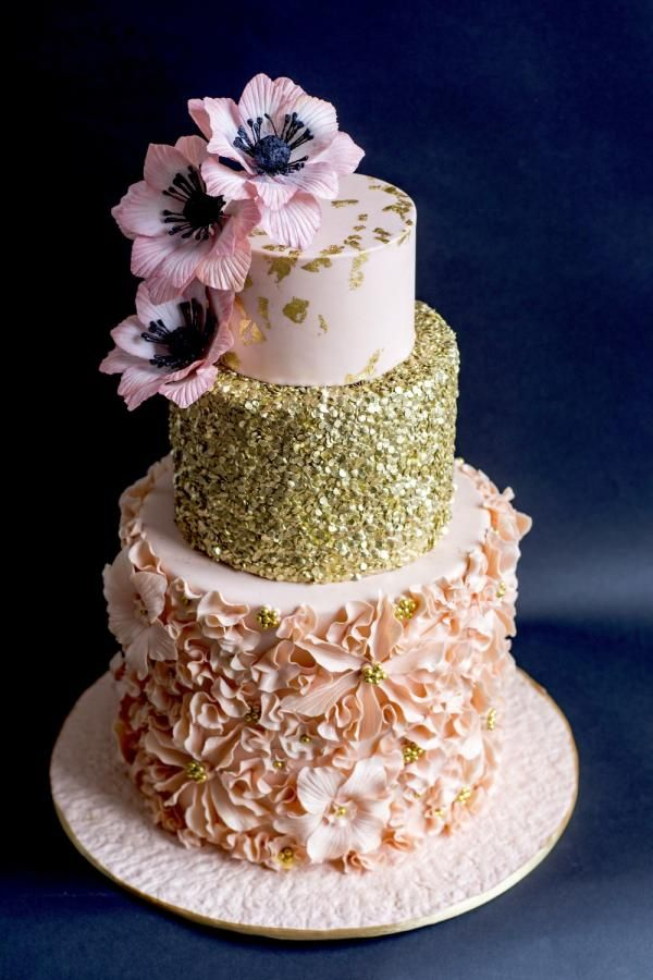 Cake Designs For Golden Wedding : 17 Best ideas about Wedding Anniversary Cakes on Pinterest ...