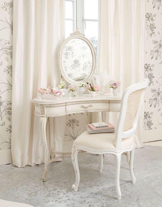 francuska toaletka w stylu schabby chic | Piękna Sypialnia/ Beautiful Bedroom  | Vanities, Chic and Dressing Tables