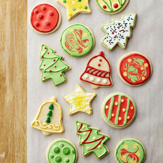 Use some of our Editors' best tips on how to decorate your Christmas cookies: http://www.bhg.com/recipes/desserts/cookies/white-and-gold-christmas-cookies/?socsrc=bhgpin111813videohowtodecoratecookies&page=11