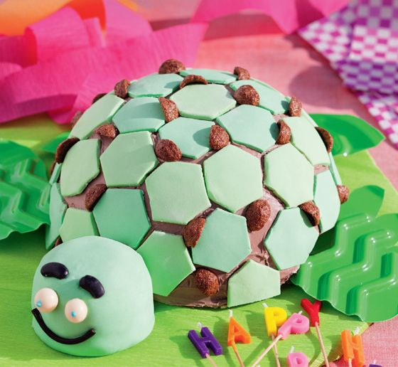 Sea turtle cake. Cut and quirky this turtle cake tastes as good as it looks! #Woolworths #cake #party #recipe http://www.woolworths.com.au/wps/wcm/connect/Website/Woolworths/FreshFoodIdeas/Recipes/Recipes-Content/seaturtlecake?utm_source=pinterest&utm_medium=social&utm_campaign=Christmas