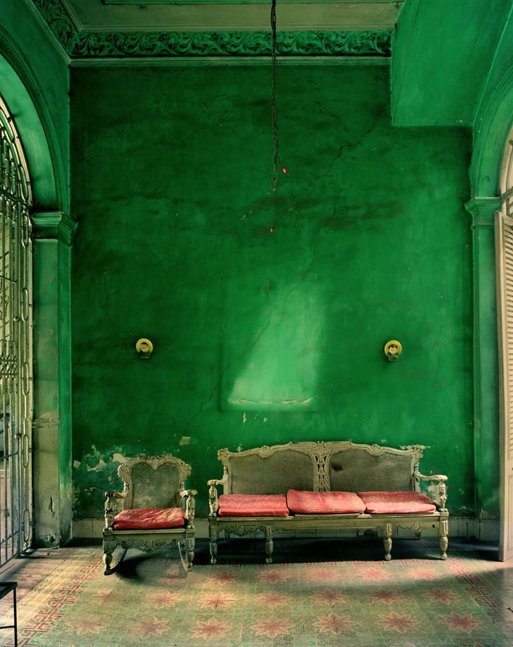 Green sitting room from World of Interiors