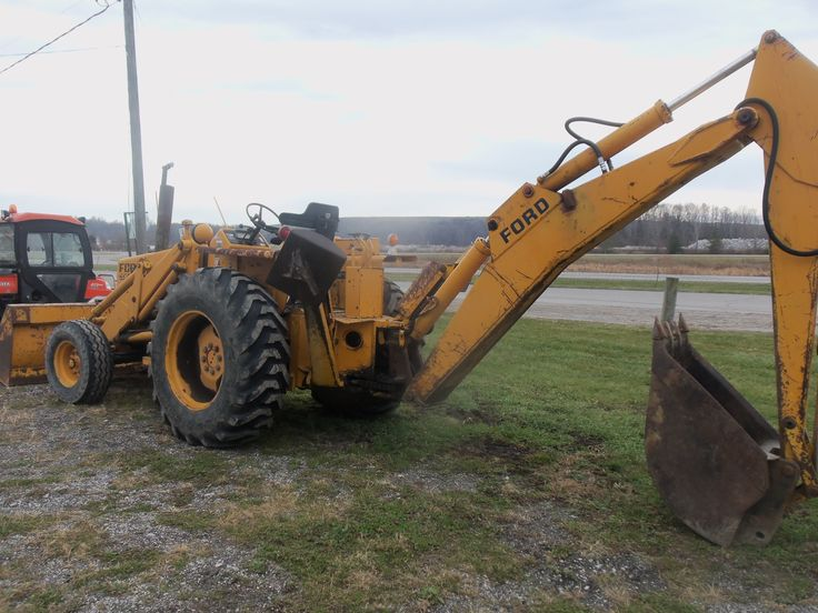 Rear Of Ford 550 Backhoe Ford Tractors Amp Equipment border=