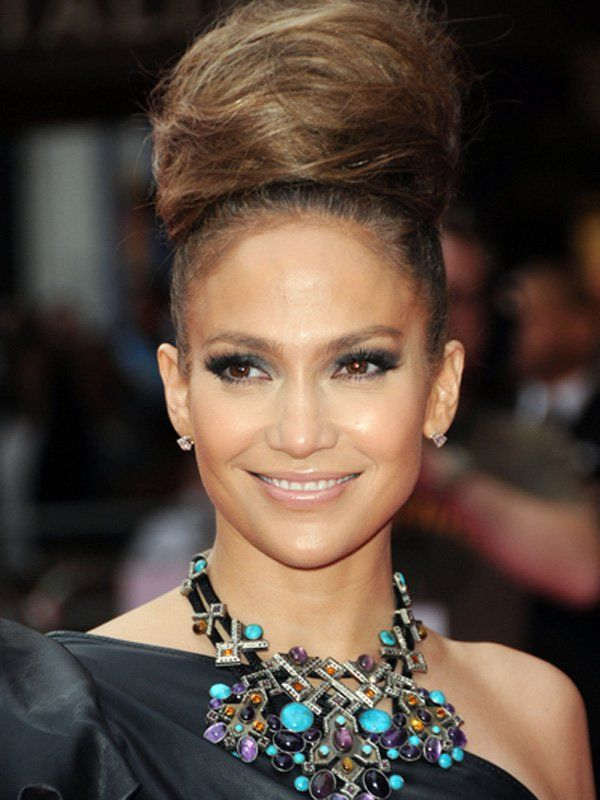 Coiffure de star : le chignon boule de Jennifer Lopez