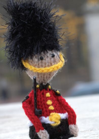Inspired by Prince George's sweater vest, @sccpinner knit this adorable Queen's Guard amigurumi. Would be a great project for Vanna's Palettes or Bonbons.