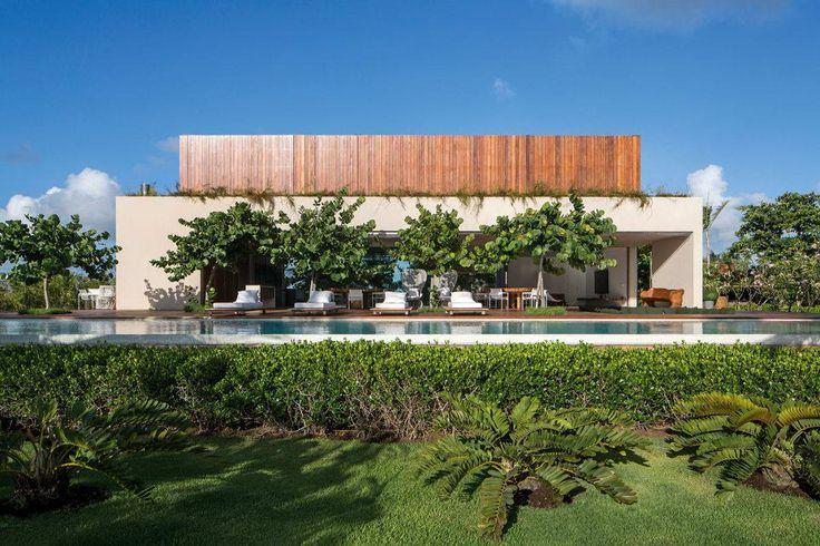 Дом у океана в Бразилии