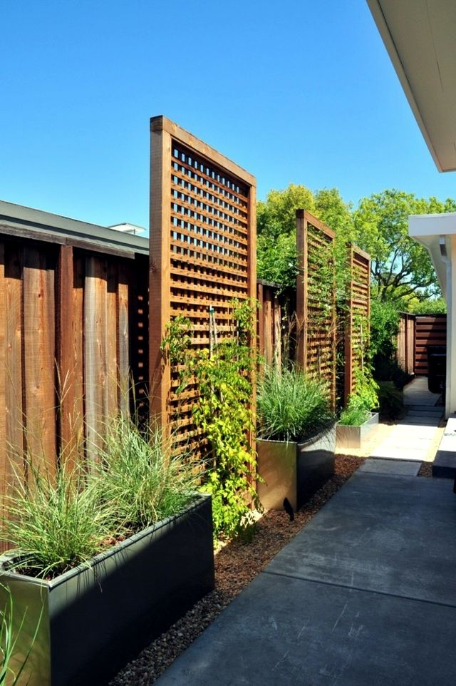 Screening fence in -23 garden ideas on how to preserve privacy                                                                                                                                                     More