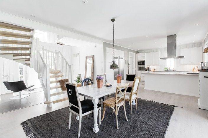 Lundin Fastighetsbyrå - Billdal/ Lindås  -  New Englandstil möter skandinavisk byggtradition!