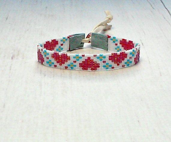 Seed Bead Heart Bracelet  Beaded Bracelet  by SKBeadedJewelry  #valentinesgift #heartbracelet #loombracelet