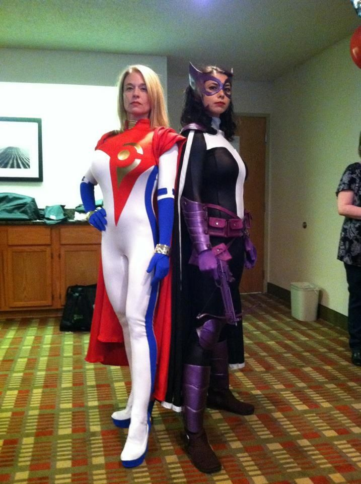 New 52 World's Finest cosplay. Power Girl and Huntress ...