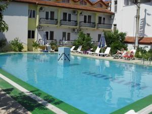 #Otel #Oteller #OtelRezervasyon - #Muğla, #Ortaca - Otel Junior Ozalp Ortaca - http://www.hotelleriye.com/mugla/otel-junior-ozalp-ortaca -  Genel Özellikler Bar, 24-Saat Açık Resepsiyon, Bahçe, Emanet Kasası, Klima, Restoran (alakart), Restoran (büfe) Otel Etkinlikleri Fitness Merkezi, Masaj, Açık Yüzme Havuzu (sezonluk) Otel Hizmetleri Oda Servisi, Toplantı/Ziyafet İmkanları, Havaalanı Servisi, Bebek Bakımı/Çocuk Hizmetleri, Çamaşı...