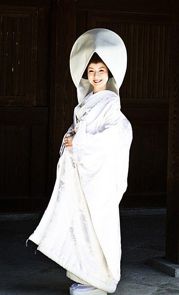 Guapísima la novia en esta boda Sintoísta en Japón... Vía: Japancoolture.com