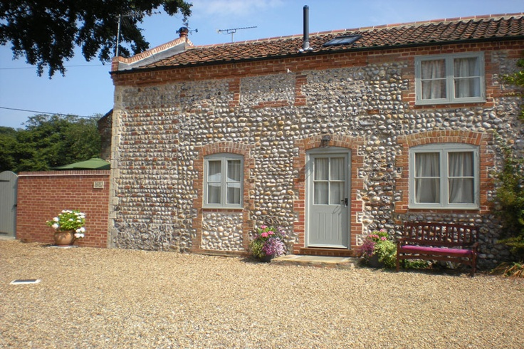 Dairy Cottage, Southrepps, Norfolk - part of Beechlands Farm and is a recent conversion from a traditional farm building. Southrepps is only a few miles from the north Norfolk coast and so is very close to the sandy beaches at Mundesley, Overstrand and Cromer. Sleeps 4. From £270 per week