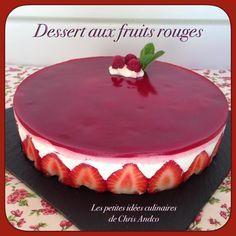 Je suis heureuse de vous transmettre la dernière recette que j'ai inventée, c'est un dessert aux fruits rouges genre entremet. Il faudra tout d'abord faire un fin biscuit, une mousse puis un glaçage. J'ai utilisé des fraises et des framboises mais vous...