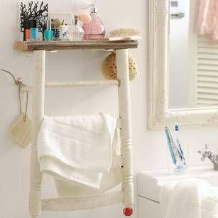 Badregal und Handtuchhalter in Einem