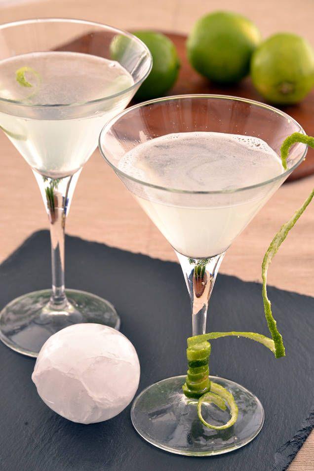 Så här enkelt och snabbt gör du originaldrinken Daiquiri.