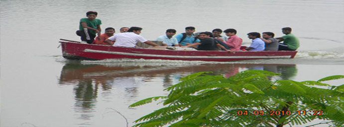damdama lake is one of the best picnic spot near delhi and gurgaon. one can avail all the adventure activities here boating is also available here.