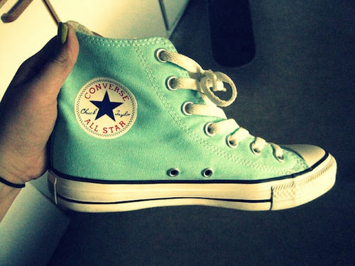Really want a pair of mint converse!!