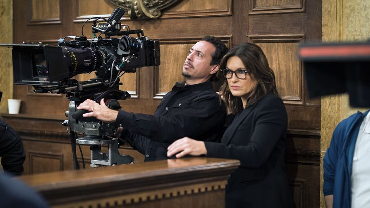 TV Ratings: 'Law & Order: SVU' Gets a Bump With 400th Episode #FansnStars