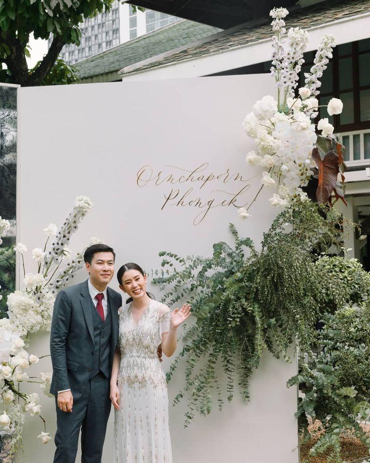 Bild könnte enthalten: 2 Personen, Hochzeit   – Wedding venue deco