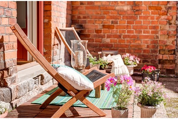 46 Inspiring small veranda decorating ideas