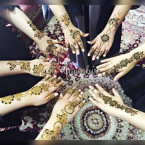 للتواصل 98977668 أستقبل حجوزاتكم بعد العيد و شهر ١٠ و ١١ Hand Henna Hand Tattoos Henna Hand Tattoo