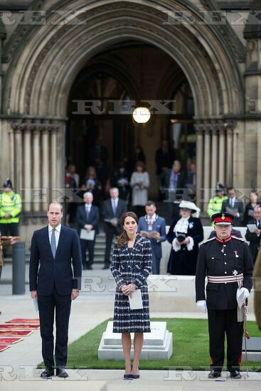 Prince William and Catherine Duchess of Cambridge visit to Manchester, UK - 14 Oct 2016  Prince William and Catherine Duchess of Cambridge lay a wreath during a service at the Cenotaph at Manchester Town Hall 14 Oct 2016