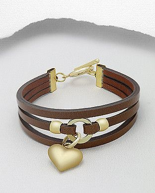 3 strand leather bracelet with gold tone heart chairman circle in the middle. Metal: Stainless steel