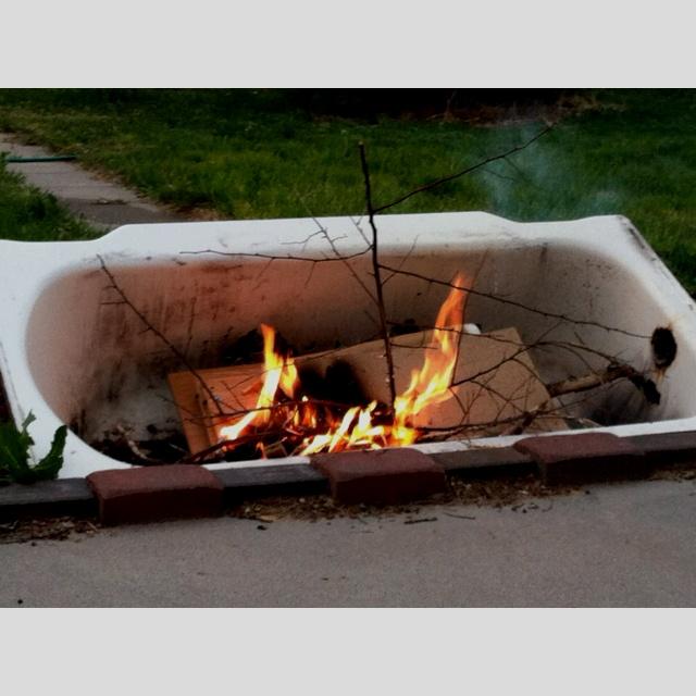 Cast Iron Bath Tub Fire Pit Gardening Amp Landscaping