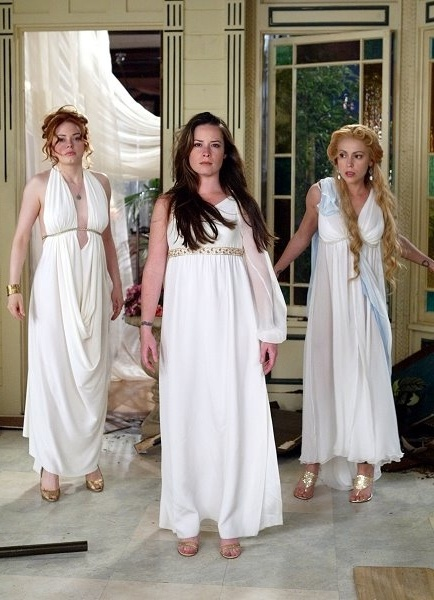 charmed my favorite tv show My favorite tv shows that i can binge watch 24/7 charmed charmed - a group of sisters discover they are witches luckily for the world, they're o.