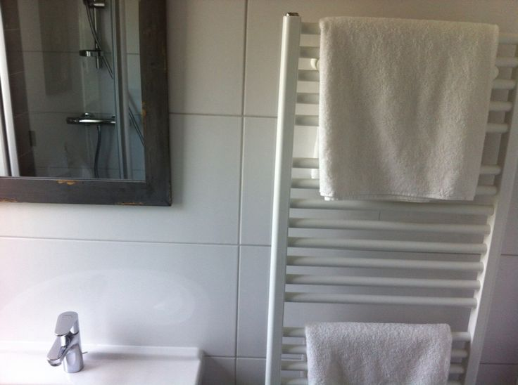 Bathroom 2⃣ Look at that mirror