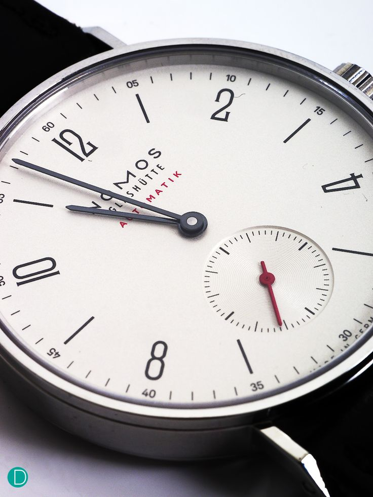 DEPLOYANT: Review of the Nomos Tangente Automatik from Baselworld 2015