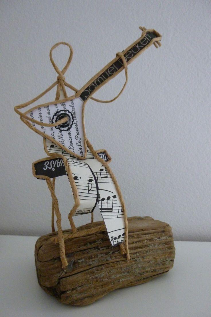 Le joueur de Balalaïka - figurine en ficelle et papier : Accessoires de maison par ficelleetpapier
