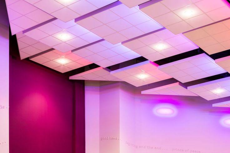 Kings Church, Amersha, Buckinghamshire, Armstrong Sufity Podwieszane, ceiling, acoustic, sufit akustyczny, Axiom C Canopy