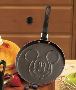 Mickey Mouse Pancake Pan This would make Mickey pancakes much easier!!!!