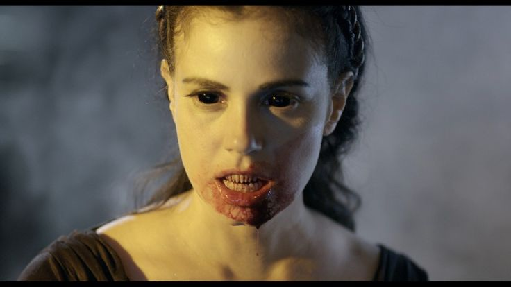 Lilith in 30 DAYS OF NIGHT: DARK DAYS played by Mia ...