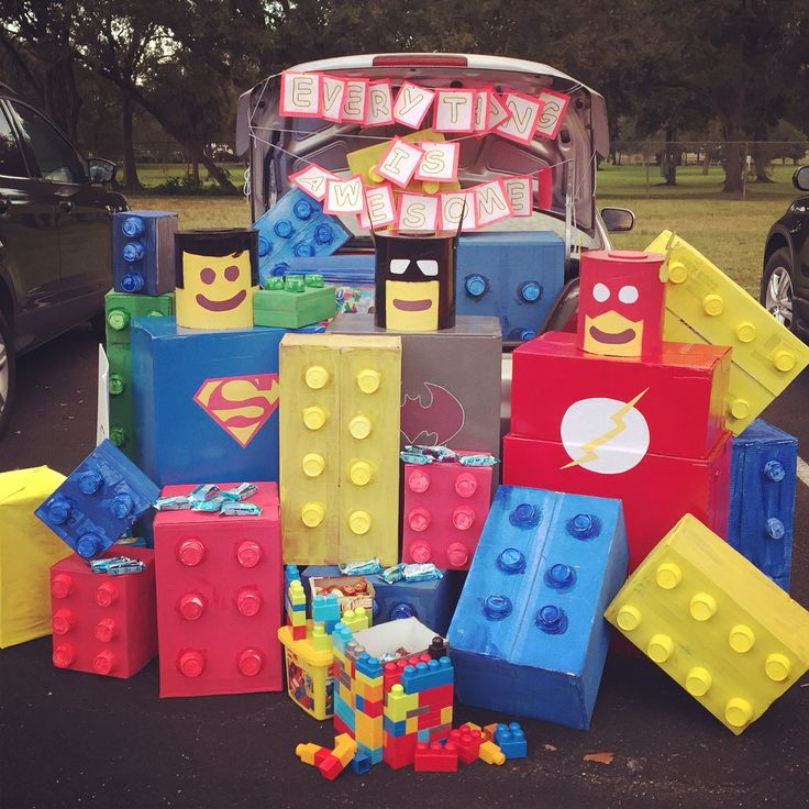 lego movie trunk for trunk or treat - Halloween Decorated Cars