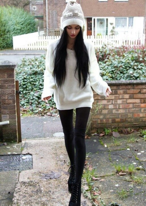 So beautiful. Her and her outfit.... #Black and white (Felice Fawn)