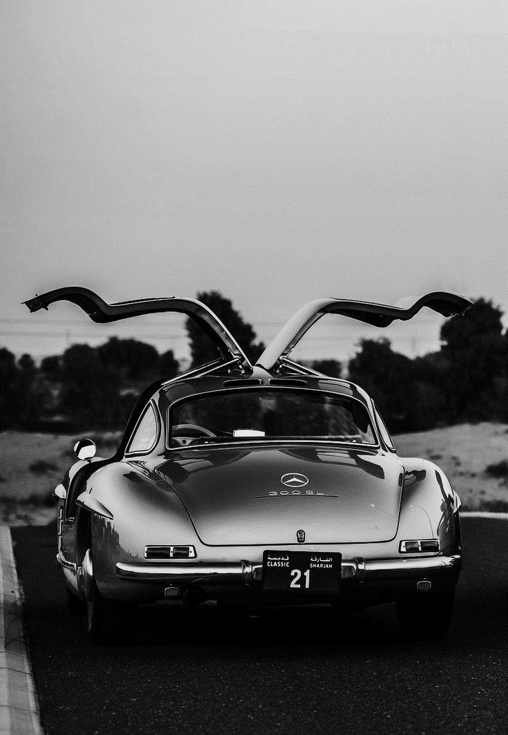 """Mercedes SL """"une inspiration, un brouillon, une réalisation, sans doute la plus belle des étoiles."""""""