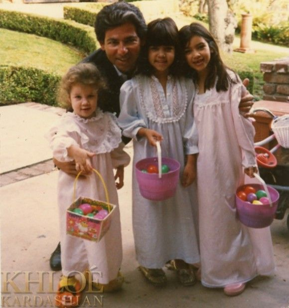 Khloe Kardashian Shares Old School Pic From Easter Morning With Kim And Kourtney And Their Dad Robert Kardashian Sr.