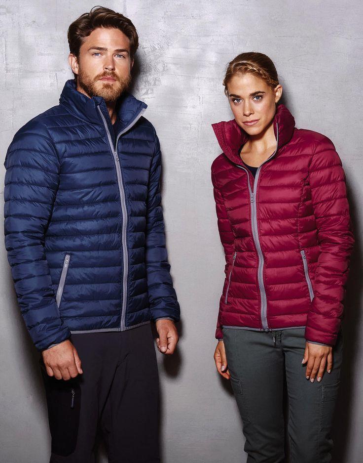 Geschikt voor werk en vrije tijd. De nieuwe collectie lichtgewicht, maar warme, gevoerde jacks. We borduren de jassen indien gewenst met uw bedrijfslogo.  ID Wear - standnr. 914