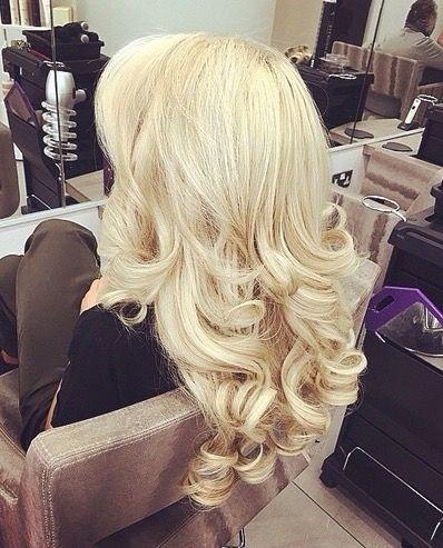 Platinum blow dry of curls