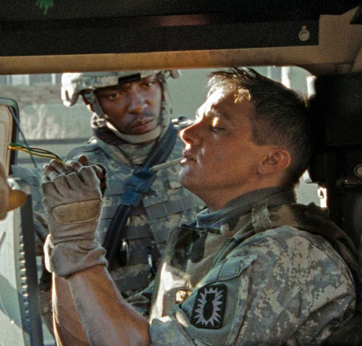 "I love how pissed off Anthony Mackie looks in this scene from ""The Hurt Locker"". Also, Jeremy Renner fiddling with bomb parts while smoking a cigarette."